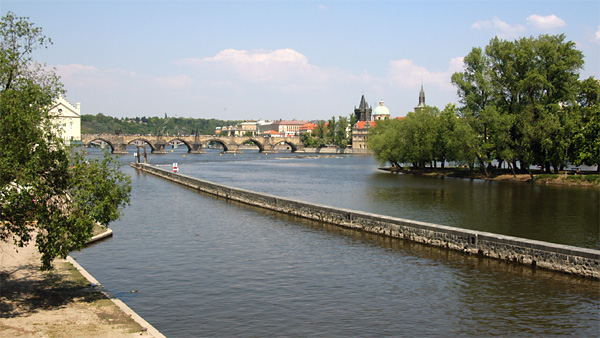 picture of Vltava River with the Charles Bridge